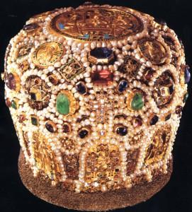 Митра 17 век 271x300 Ювелирное искусство России 16 17 век