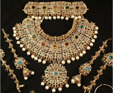 антикварные вещи Антикварные ювелирные украшения