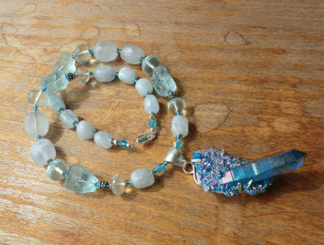 аквамарин для водолея Камень для Водолея женщины