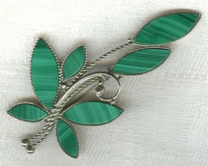 малахит 300x240 Камни зеленого цвета