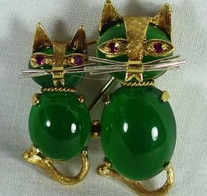 хризопраз котята 300x284 Камни зеленого цвета
