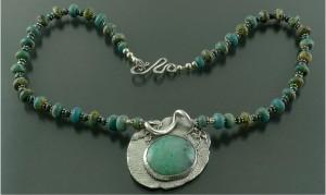 хризопраз 300x179 Камни зеленого цвета