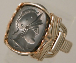 гематит кольцо 300x249 Гематит