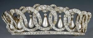 владимирская тиара1 300x124 Драгоценности семьи Романовых