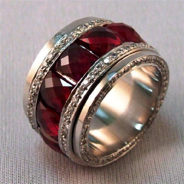 камень рубин кольцо Камень рубин магические свойства
