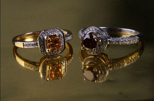 драгоценные ювелирные украшения Драгоценные ювелирные украшения с бриллиантами