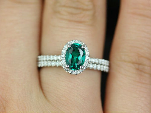кольцо с изумрудом Кольца с бриллиантом виды, дизайн, тип оправы, форма камня как выбрать