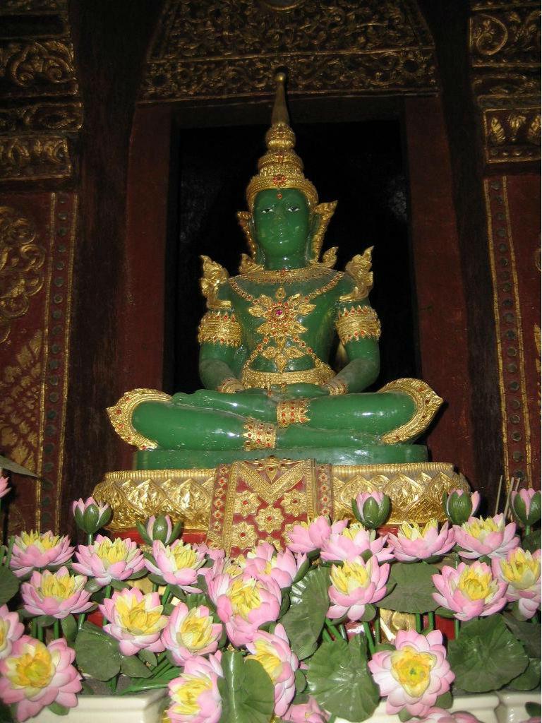 храм Изумрудного Будды Занимательные факты о золоте