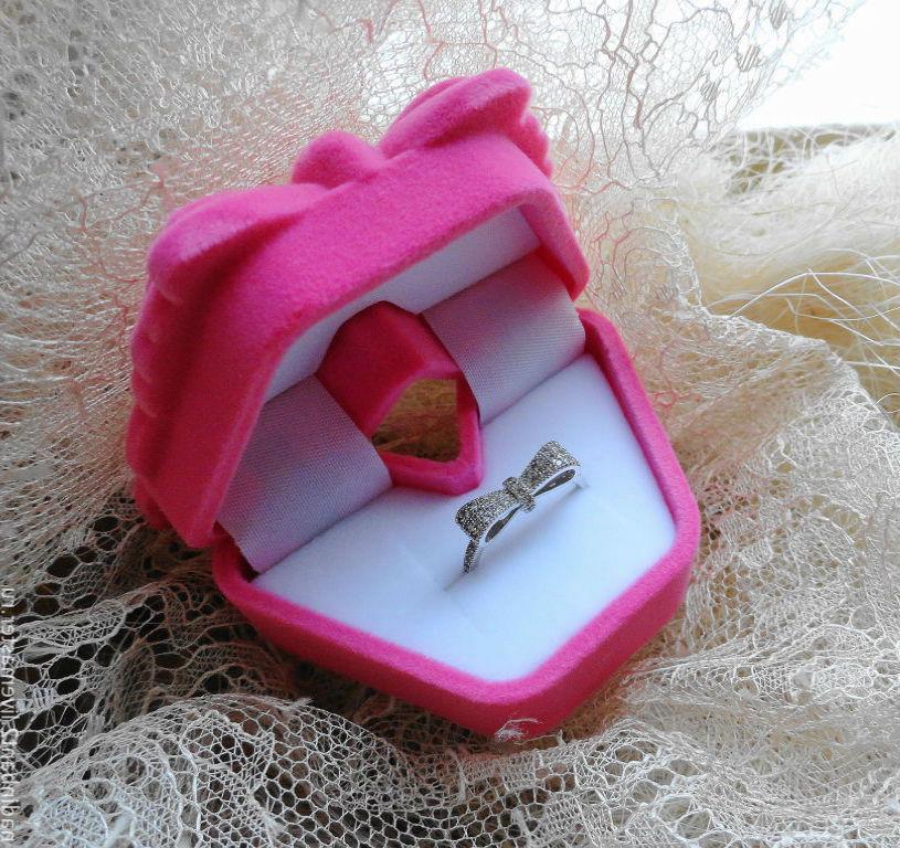 футляр для кольца на свадьбу Футляры для колец: желанный подарок в оригинальной упаковке
