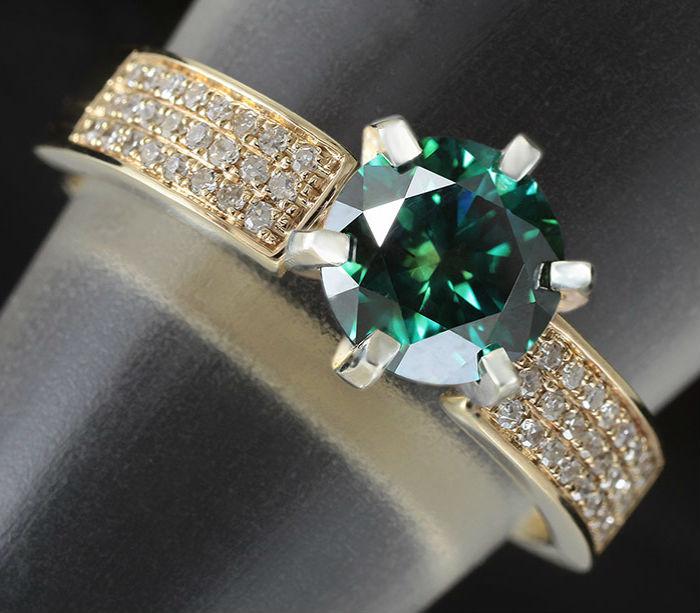 украшения с зеленым бриллиантом Зеленые бриллианты