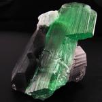 Гидденит 150x150 Камень апатит